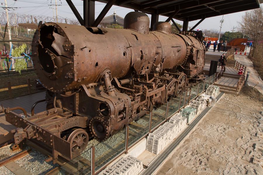 http://www.thedailyparker.com/image.axd?picture=blogfiles%5CImjingak_locomotive_12900%20sm.jpg